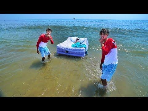 Xxx Mp4 MOM WAKES UP IN OCEAN PRANK 3gp Sex