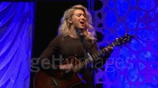 Tori Kelly - Something Beautiful (Acoustic) | 4th Annual Wishing Well Winter Gala - Make-A-Wish