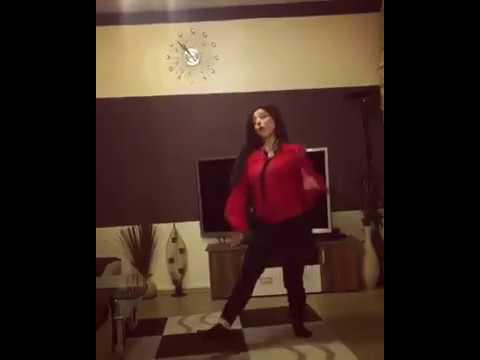 Tu Cheez Badi Hai Mast Dance । sexy girl hot indoor dance