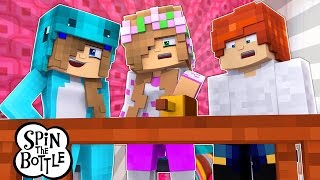 TRUTH OR DARE : LITTLE KELLY PLAY SPIN THE BOTTLE | Minecraft Custom Roleplay w/LittleCarly and Leo