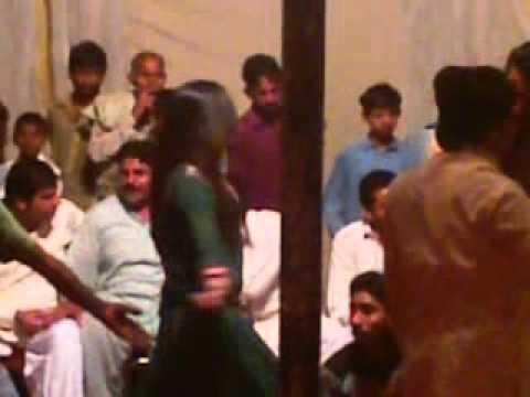 MALIK ZAFAR KHOKHAR WEDDING DANCE 3gp7