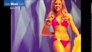 Miss California contestant suffers wardrobe malfunction