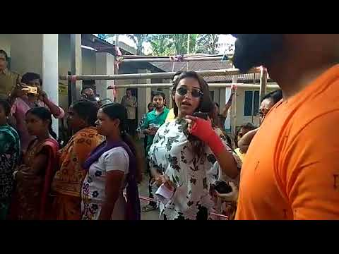 Xxx Mp4 Actress Mimi Chakraborty In Line To Cast Her Vote In Jalpaiguri 3gp Sex