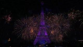 Raw: Bastille Day Fireworks Light Up Paris Sky