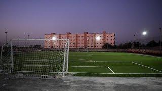 شاهد افتتاح ملعب رياضي فريد من نوعه في عدن