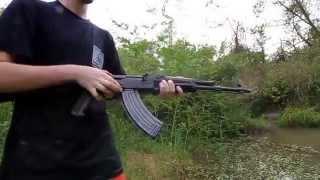 Thử Sức Súng Tiểu Liên AK - ....