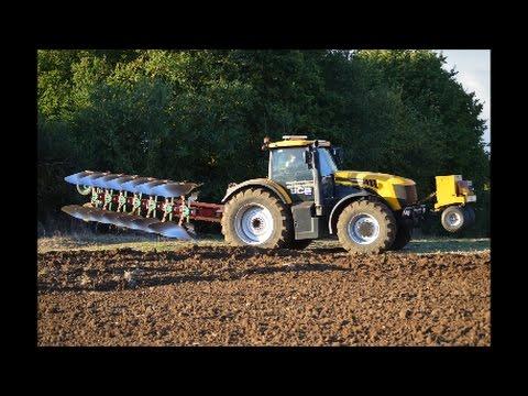 JWB, JCB Fastrac 7270 Yellow Power, 7 Furrow Plough