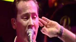 UB40  - Red Red Wine   [Live Ahoy, Holland - 11 12 03].mp4