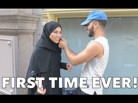 WEARING A HIJAB FOR THE FIRST TIME!!