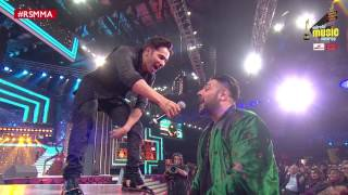 Varun Dhawan and Badshah's Rap jugalbandi at Royal Stag Mirchi Music Awards | #RSMMA