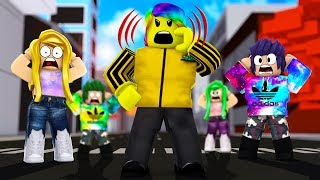 YELLING WITH 100 TRILLION POWER *DEADLY* (Roblox Shouting Simulator)