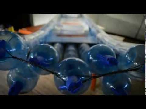 Kayak casero con botellas