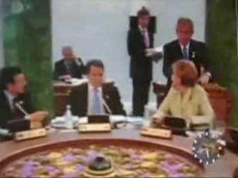 Xxx Mp4 Bush Creeps Out German Chancellor Controversial Footage 3gp Sex