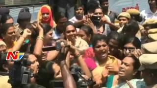 Hijra Protest Against Kushboo Comments in Chennai | NTV