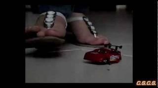 R - SlowMotion 300fps - Toy Car 02