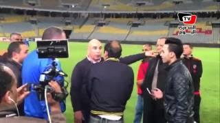 مشادة بين حسام حسن وعبد الحفيظ بعد مباراة الأهلي والمصري