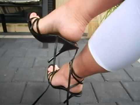 Diosa Canales y sus pies bellos.mp4