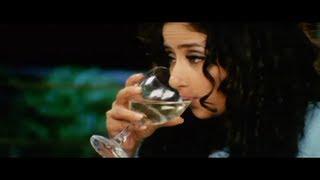 Karan Nath Forces Manisha Koirala to have Champagne (Tum)