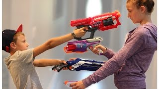 Nerf WAR! BOY vs GIRL!