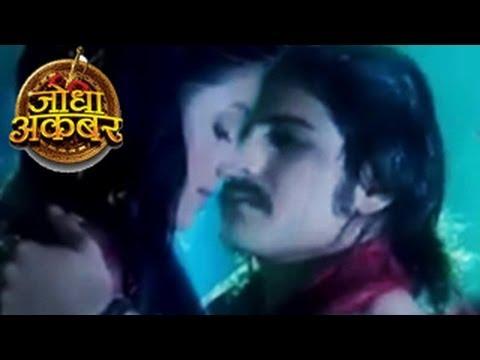 Xxx Mp4 Jodha Amp Akbar 39 S FIRST ON SCREEN KISS In Jodha Akbar 7th April 2014 FULL EPISODE 3gp Sex