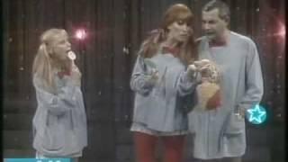 Moria Casan - Monumental Moria - Nylon y Marito