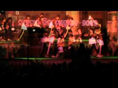 THE KHAN DYNAMIC DANCE.mpg