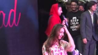 Girl Porpose Zaid Ali in LUMS University Lahore   Video Dailymotion