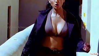 Anushka Shetty hottest boob show and navel kiss