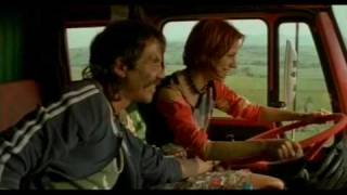 Sivi kamion crvene boje Hocu da mi kupis Mercedes Benz