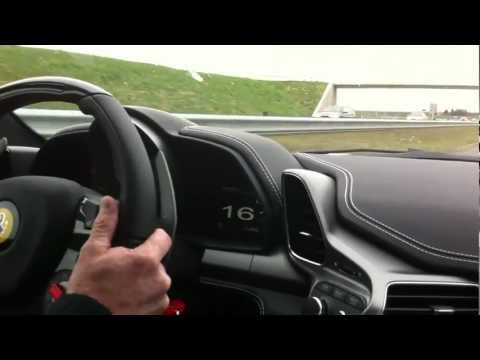 Ferrari 458 Italia Tünelden Geçerse