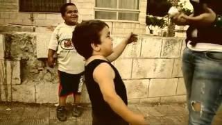 معاكسة بنت بالشارع - YouTube.flv
