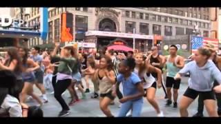 Pharell Williams - Happy (Flash Mob Edition)