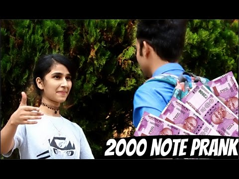Getting Kisses And Girls Number with 2000 NOTE TWIST PRANK IN INDIA