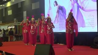 CHINESE DANCE TROUPE DOING INDIAN DANCE