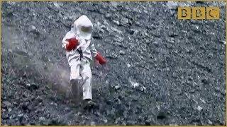 Scientist gets too close to lava lake! - Richard Hammond