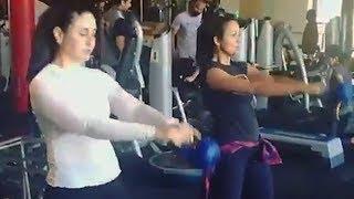 Kareena Kapoor & Amrita Arora's INTENSE Work Out In Gym - Watch Video
