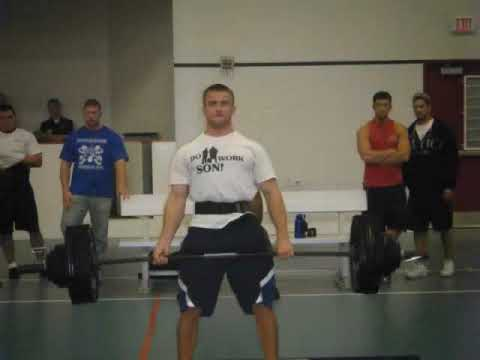 Ross Peters powerlifting competition at SIUE
