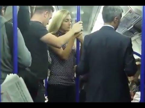 Wanita ini diraba raba di tempat umum, tidak ada yang perduli