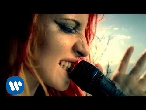 Paramore crushcrushcrush OFFICIAL VIDEO