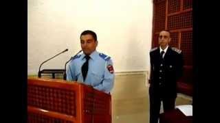 شرطي مغربي يتلو القرآن الكريم بطريقة جميلة