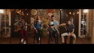 Dios Está Aquí  - Cindy Barrera - Oficial Video