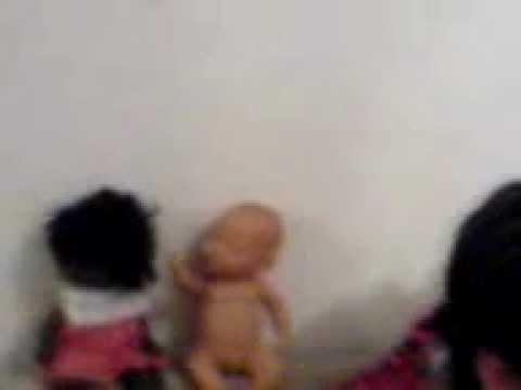 Muñecos se mueven solos