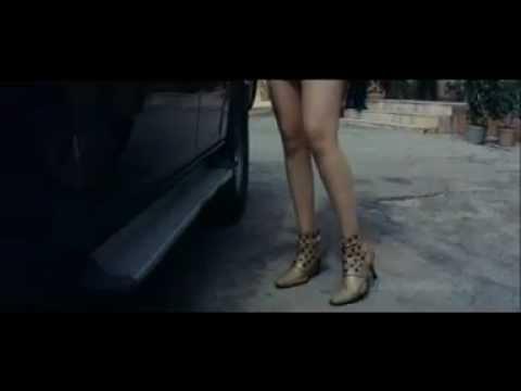 Tamanna hot in miniskirt