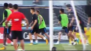 Neymar nổi điên đòi đánh đồng đội trên sân tập