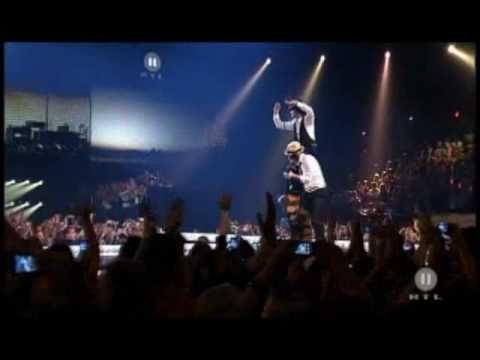 Yolanda Be Cool en vivo - We No Speak Americano en vivo - live direct  [THE DOME 55]