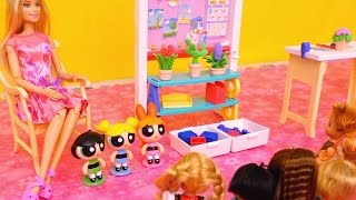 Powerpuff Girls Go to Barbie School & Buttercup Wants to Be Like Bubbles - Stories With Dolls & Toys