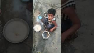 Play class ammyi clean the dust