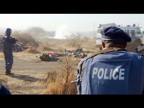 La policía sudafricana dispara a los mineros en huelga