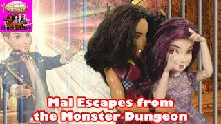 Vampire Mal Escapes from the Dungeon - Part 18 - Vampires Moana Descendants Disney