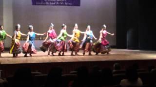 dance on aaj phir jeene ki tamanna hai ( women empowerment )
